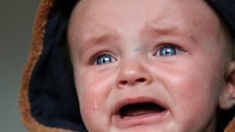 Kind huilt vanwege verlatingsangst