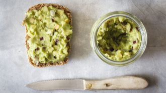 brood met avocado spread