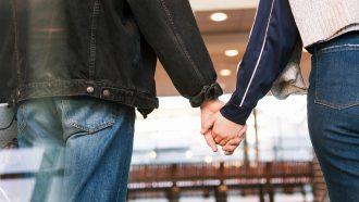 waarom elkaars hand vasthouden