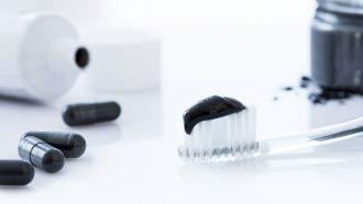 zwarte-whitener-tandpasta
