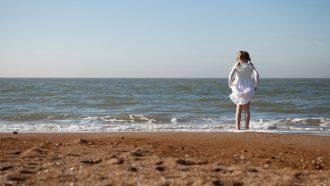 Kind op het strand in Oostende