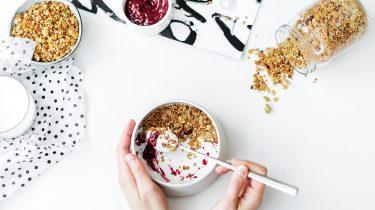 yoghurt, muesli en jam op basis van bloedgroepdieet