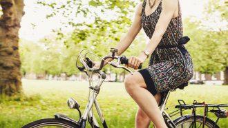 telefoon-gebruiken-fiets