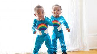 tweeling-zelfde-outfit