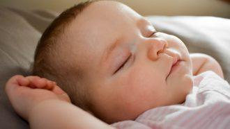 baby-bed-slapen