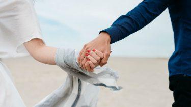 7 signalen dat je nog steeds verliefd bent op je partner