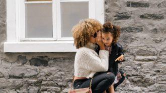 werkende ouder met kind