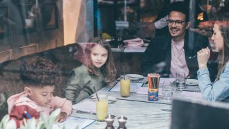 uit-eten-met-kinderen-family-sunday's-Jansz-Famme.nl