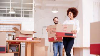 Huis kopen - koppel verhuist
