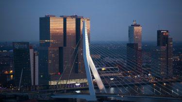 Rotterdamse Skyline met Erasmusbrug waar de Rotterdamse uitspraken vandaan komen