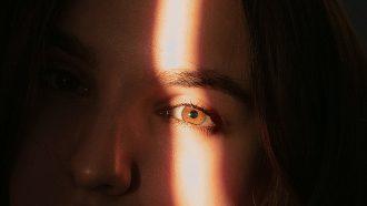 Meisje met bruine ogen