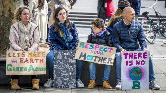 klimaatactivist Moeder met man en kinderen