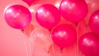Een hilarische video waar de bevalling wordt uitgelegd met behulp van een ballon