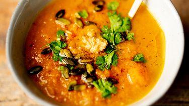 Koolhydraatarme lunch / boterige pompoensoep met miso